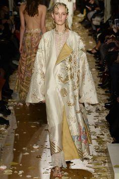 Valentino Spring 2016 Couture Fashion Show - Jessie Bloemendaal