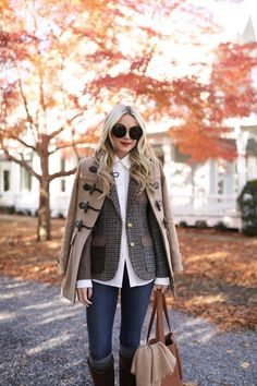 Blair Eadie wearing a fall suiting blazer and riding boots // Luggage by Steamline and toggle coat by Burberry // Click through for more fall blazers and suiting style on Atlantic-Pacific Outfits PREPPY PLAID // HAMPTONS FALL Preppy Fall Fashion, Preppy Fall Outfits, Fall Fashion Trends, Fall Winter Outfits, Look Fashion, Autumn Winter Fashion, Classic Fall Fashion, Street Fashion, Preppy Clothes