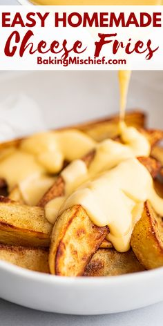 These easy Cheese Fries are the ultimate indulgent comfort food. Cheese Fries Sauce, Chilli Cheese Fries, Homemade Cheese Sauce, Homemade Fries, Cheesy Sauce, Easy Cheese, Fries In The Oven, Snacks, Cooking Recipes