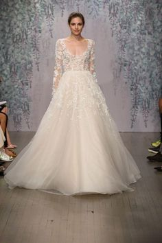 Super stunning Monique Lhuillier wedding dresses (brand new!) Click to see them all!