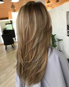 80 Cute Layered Hairstyles And Cuts For Long Hair Hairspray Long - feathered hairstyles long hairstyles long work Long Layered Haircuts, Haircuts For Long Hair, Straight Hairstyles, Layered Hairstyles, Shag Hairstyles, Casual Hairstyles, Haircut Long, Party Hairstyles, Wedding Hairstyles