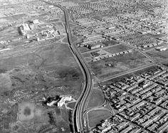 1960-61 Boulevard Métropolitain...vue vers l'est,Montréal. | par Le présent du passé Montréal. Welcome Photos, Visit Canada, Old Pictures, Vintage Photos, City Photo, The Past, Industrial, Hui, Button
