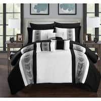 Shop Chic Home Foxville Grey Bed in a Bag with Sheet Set - On Sale - Overstock - 12307117 Grey Comforter Sets, Teal Bedding, Bedding Sets, Bed Ensemble, Online Bedding Stores, Bed In A Bag, Affordable Bedding, Cool Beds, King Beds