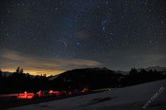 Lichtverschmutzung mit Sternschnuppe / Sterne / Der Himmel / Galerie | Nies.ch Northern Lights, Sky, Nature, Travel, Pictures, Light Pollution, Shooting Stars, Focal Length, Heavens