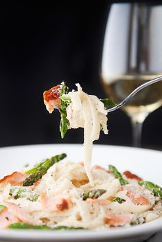 Hot Smoked #Salmon and Grilled #Asparagus Fettuccine recipe with white wine garlic cream sauce