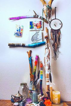 DIY crafts // For the home // To sell // For gifts // Easy + unique ideas just for fun! // Love this little shrine/art display. DIY Painted Stick Project via Handmade Charlotte Diy And Crafts, Arts And Crafts, Deco Boheme, Painted Sticks, Wood Sticks, Nature Crafts, My New Room, Tree Branches, Painted Branches