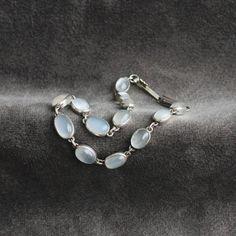Lovely Vintage Moonstone Silver Bracelet 7.5 long by GemFever