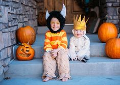 These Where the Wild Things Are kids Halloween costumes are simply amazing! Check out the post for 100 creative costume ideas and awesome Halloween costume inspiration! Superhero Family Costumes, Unique Couple Halloween Costumes, Unique Costumes, Last Minute Halloween Costumes, Creative Costumes, Halloween Kids, Halloween 2019, Up Baby Costumes, Cute Costumes
