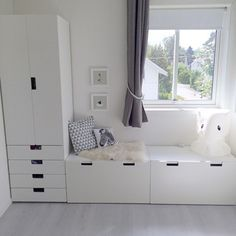 Stuva Ikea Maybe build on Alma's wardrobe this way? - Ikea DIY - The best IKEA hacks all in one place Baby Bedroom, Girls Bedroom, Ikea Kids Bedroom, Ikea Childrens Bedroom, Ikea Nursery, Big Girl Rooms, Boy Room, Trofast Ikea, Kids Room Design