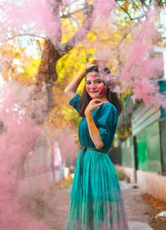 Holaeverybody, I hope all of you are doing great!Festivities is around the corner and like always I took out m Holi Pictures, Holi Images, Girl Photography Poses, Amazing Photography, Conceptual Photography, Holi Girls, Holi Photo, Holi Colors, Happy Holi