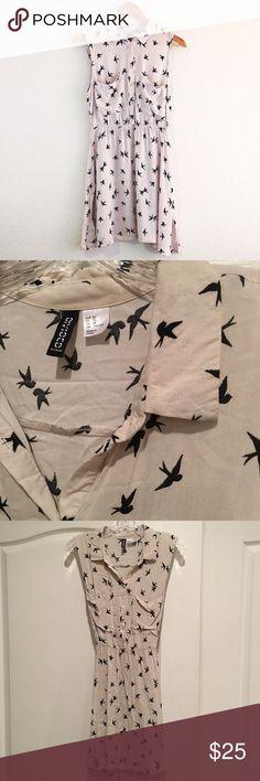 H&M Bird Print Dress Sleeveless Collared Dress with cute bird print H&M Dresses