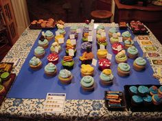Settler's of Catan game board with CUPCAKES! @Naomi @Keith  Best game ever!