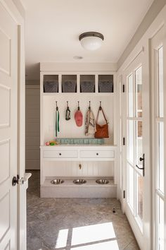 Laundry Benches with Storage Inspirational Custom Built Ins for Dog Food Mudroom Dog Spaces, Small Spaces, Dog Station, Dog Feeding Station, Small Mudroom Ideas, Cape Style Homes, Puppy Room, D House, Dog Rooms