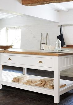 What is it with the Brits and bespoke kitchens? We've just come across deVOL Kitchens, an East Midland outfit founded in 1989 by two design graduates Kitchen Work Bench, Kitchen Prep Table, Kitchen Island Bench, Rustic Kitchen, New Kitchen, Kitchen Decor, Kitchen Ideas, Kitchen Islands, Kitchen Furniture