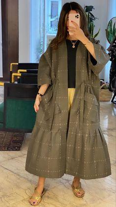 Iranian Women Fashion, Arab Fashion, Muslim Fashion, Modesty Fashion, Fashion Outfits, Mood Designer Fabrics, Hijab Fashion Inspiration, Stunning Dresses, Streetwear Fashion