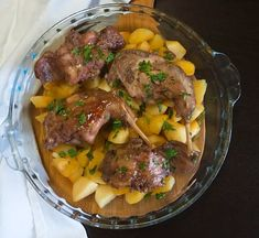 Rabbit Dishes, Rabbit Food, Portuguese Food, Portuguese Recipes, Lebanese Recipes, Tasty, Yummy Food, Pot Roast, Food And Drink