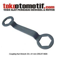 Kode : 07018010549 Nama : Coupling Nut Wrench  39 X 41 MM Merk : American Tool Tipe :– No. Part Produsen : 8958025 Status : Siap Berat Kirim : 1 kg Material : – Ukuran : 39 X 41 MM