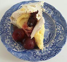 Meringue, Custard, Strawberry, Indigenous Art, Ethnic Recipes, Food, Merengue, Cream, Essen