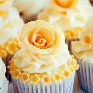 Pretty 50 Wedding Anniversary Cake