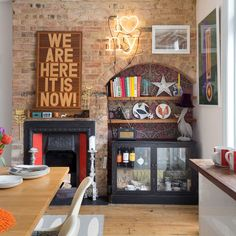 This homeowner's house-hunting woes were solved by a workmate, who had heard that she was desperate to move. Minor changes have made it perfect Terrace House Exterior, Victorian Terrace Interior, Victorian Bar, Edwardian House, Interior Garden, Empty Fireplace Ideas, Unused Fireplace, Interior Decorating Tips, Interior Design Tips