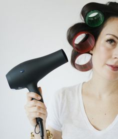 10 Minutes to Bigger Hair: Velcro Roller How-To - Beauty Bets