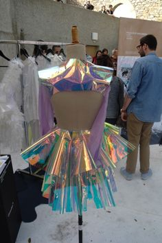 Creation of Argentinian designer Paula Selby Avellaneda - Party-Kei Costumes Alien, Space Costumes, Halloween Costumes, Space Fashion, Look Fashion, Holographic Fashion, Holographic Dress, American Apparel, Looks Style