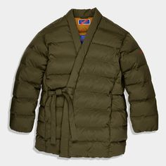Our iconic Hanten Jacket in a winter-ready 850 fill power down. With a water-resistant stretch nylon shell & easy wrap-and-tie design, it's a warm & comfortable. Quilted Clothes, Got The Look, Kimono Jacket, Weekend Wear, Clothes Horse, All About Fashion, Cool Things To Make, Canada Goose Jackets, Winter Fashion