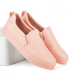Tenisky slip on Vans Classic Slip On, Loafers, Sneakers, Shoes, Fashion, Travel Shoes, Tennis, Moda, Slippers