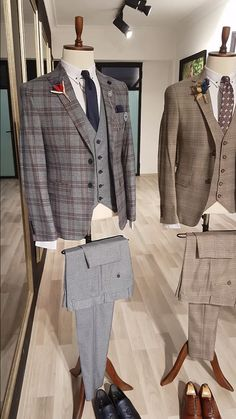 Collection: GentWith Slim Fit Prince of Wales Suits – Fall/Winter 19/2020 Product: Slim-Fit Suit Color Code: Gray Available Size: 46-48-50-52-54-56 Suit Material: 65% Viscose, 32% polyester, 3% elastan Machine Washable: No Fitting: Slim-Fit Cutting: Double Slits, Double Button Package Include: Suit Clothes: Jacket and Pants Gifts: Shirt, Tie, Pocket square, Chain and Flower