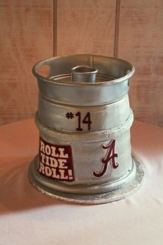 @Kelly Bressler This is a groom's cake but I thought of you