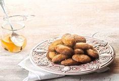 Refrigerator sweet with pie berry and wafer Pretzel Bites, Sweet Recipes, Almond, Berries, Pie, Bread, Food, Torte, Pastel