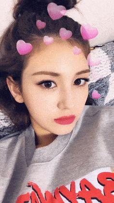 K-Girlgroups Reactions - ˗ˏˋJeon Somi ˎˊ˗ Jeon Somi, Shy Girls, Kpop Girls, Im Nayoung, Jung Chaeyeon, Choi Yoojung, Kim Sejeong, Girl Photo Poses, Cute Gif