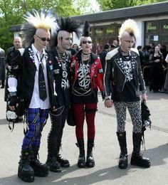 #punk Subcultura Punk, Punk Guys, Mode Punk, 70s Punk, Estilo Punk Rock, Moda Rockabilly, Rockabilly Fashion, Punk Subculture, Deathrock Fashion
