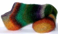 PippiKneeSocks » Fireside Footies - free pattern - felted slippers