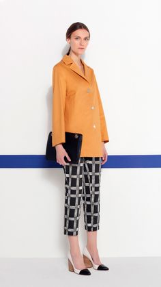 Look PG Mujer PV 2014 - Mostard Trench-Coat and printed pants. http://www.purificaciongarcia.com/