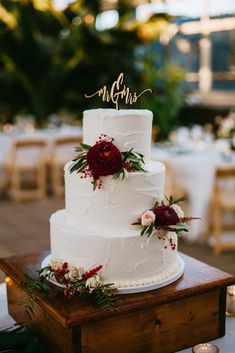 This gorgeous wedding featured a lush color palette! Floral Wedding Cakes, Wedding Cake Rustic, Wedding Cakes With Flowers, Beautiful Wedding Cakes, Wedding Cake Designs, Elegant Wedding Cakes, Fall Wedding, Our Wedding, Dream Wedding