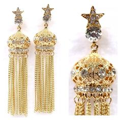 """D29 Gold Crown Rhinestone Dangling Earrings Dangling Crown Earrings  Really fun pair of earrings. Gold color metal with clear crystal accent. Hangs approximately 3.7"""".  Please check my closet for many more items.   ‼️ PRICE FIRM UNLESS BUNDLED WITH OTHER ITEMS FROM MY CLOSET ‼️ Boutique Jewelry Earrings"""
