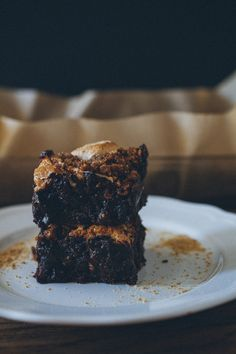 One Bowl S'mores Brownies .