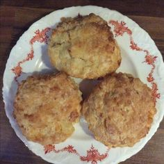 Glove Poppit loves cheese scones, especially home made ones. Cheese Scones, Bottles, Muffin, Gloves, Healthy Recipes, Homemade, Breakfast, Bags, Food