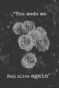 old english rose- beautiful! Roses potting area So Many Flowers All white: peonies. Grunge Photography, Art Photography, Flower Photography, Romantic Photography, Amazing Photography, Fotografia Grunge, Pale Tumblr, Iron Fey, Soft Grunge