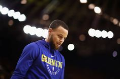 Stephen Curry of the Golden State Warriors warms up before their game against the New Orleans Pelicans in Game Five of the Western Conference...