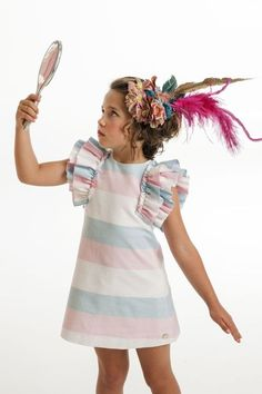 Varón e Hijos African Dresses For Kids, Dresses Kids Girl, Cute Dresses, Frocks For Girls, Kids Frocks, Baby Girl Fashion, Kids Fashion, Blog Couture, Cute Outfits For Kids