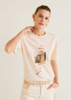 Discover the latest trends in Mango fashion, footwear and accessories. Design T Shirt, Shirt Designs, Moda Mango, T Shirt Custom, Cool Outfits, Fashion Outfits, Mango Fashion, Short Tops, Women's T Shirts