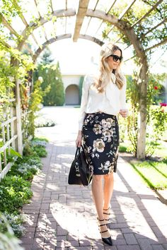 My outfit details: J.Crew skirt, Tory Burch top, Gianvito Rossi shoes, Givenchy bag, Prada sunglasses Hello! I hope you are all having a great week! I found this skirt last week and am in LOVE with…