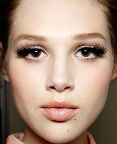 Anais Pouliot at Louis Vuitton | eyelashes