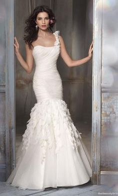 Used Jim Hjelm Wedding Dress 8108,  | Get a designer gown for (much!) less on PreOwnedWeddingDresses.com