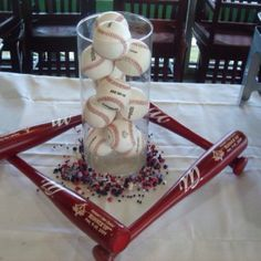 Neat table decoration for baseball themed party