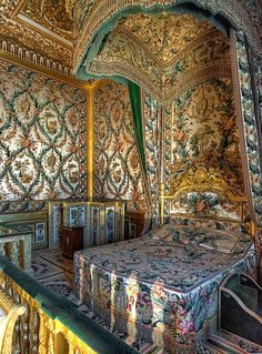Marie Antoinette's bedroom at Fontainbleau.