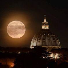 Super moon over Rome - Nov. 14, 2016 ♠ foto di fedevinci on Instagram