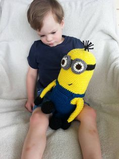 Hey, I found this really awesome Etsy listing at https://www.etsy.com/listing/248897195/crochet-minion-pattern